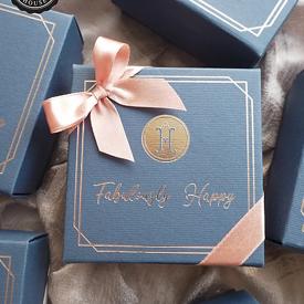 กล่องกระดาษโน้ต Fabulously Happy ของชำร่วย ของชำร่วยงานเเต่งงาน ของแจกปีใหม่