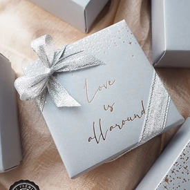กล่องกระดาษโน้ต Love is all around ของชำร่วย ของชำร่วยงานเเต่งงาน ของแจกปีใหม่